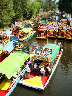 Xochimilco is one of those places I would love to visit one day. It is best known for its floating flower market. On a side note, there are not that many good pictures of the canals of Xochilmilco. I wonder why that is...