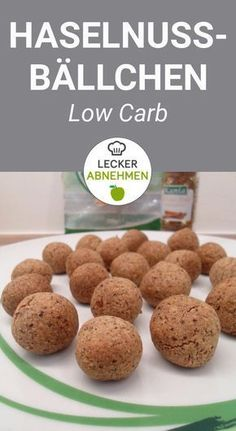 Haselnussbällchen aus 4 Zutaten – eine leckere Low Carb Süßigkeit Delicious hazelnut balls made from 4 ingredients. These low carb cookies are super tasty and are perfect if you want it to be quick and easy. Low Carb Soup Recipes, Low Carb Desserts, Keto Recipes, Cake Recipes, Lunch Recipes, Dessert Recipes, Diet Desserts, Supper Recipes, Yummy Recipes