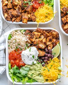 {NEW} Copycat Chipotle Chicken Burrito Bowls CFC Style 🍅🌱🥑 DRoooLLLLL 🤤🤤🤤 Looks like your Dinner plans just changed!🙌 Chipotle Chicken Burrito Bowls are Chicken Burrito Bowl, Chicken Burritos, Burrito Bowls, Clean Recipes, Cooking Recipes, Healthy Recipes, Fondue Recipes, Clean Chicken Recipes, Clean Foods