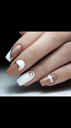 beige and white nails Beautiful Nail Designs, Beautiful Nail Art, Cute Nails, Pretty Nails, Hair And Nails, My Nails, Oval Nails, Shellac Nails, Ongles Beiges