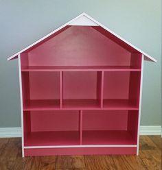 Casa de muñecas rosa por RowDexDaddysDesigns en Etsy Dyi Doll House, Toy House, Barbie House, Pink Dollhouse, Wooden Dollhouse, Girl Room, Baby Room, Little Girl Gifts, Doll Furniture