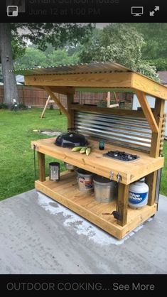 How to Make an Outdoor Kitchen Upcycled Pallet Outdoor Grill - Pallet Furniture Project Backyard Patio, Backyard Landscaping, Backyard Ideas, Backyard Kitchen, Patio Ideas, Outdoor Ideas, Summer Kitchen, Outdoor Bars, Kitchen Grill