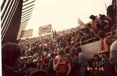 Retro Galleries – Old School Hooligan Pics Football Hooliganism, British Football, Football Casuals, School Football, Football Shirts, Uk Culture, Association Football, Liverpool Fc, Photo Look