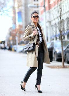 Calça: HM / T-shirt: F21 / Blazer: Zara / Trench Coat: Burberry / Sapato: Giuseppe Zanotti / Bolsa: Chanel / Óculos: Carrera - supervaidosa.com