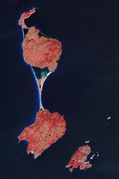 Vue satellite des îles de Saint-Pierre et Miquelon. ◆Saint-Pierre-et-Miquelon — Wikipédia http://fr.wikipedia.org/wiki/Saint-Pierre-et-Miquelon #Saint_Pierre_and_Miquelon