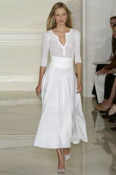 Ralph Lauren at New York Fashion Week Spring 2005 - Runway Photos White Fashion, Look Fashion, Runway Fashion, Spring Fashion, Womens Fashion, Fashion Tips, Trendy Fashion, Street Fashion, Classy Fashion