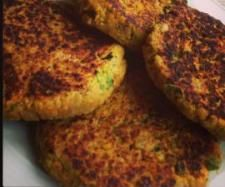 Recipe Veggie & Chick Pea Patties by My Kitchen Miracle, learn to make this recipe easily in your kitchen machine and discover other Thermomix recipes in Main dishes - others. Lunch Recipes, Summer Recipes, Baby Food Recipes, Cooking Recipes, Chickpea Recipes, Vegetable Recipes, Vegetarian Recipes, Veggie Patties, Chickpea Patties