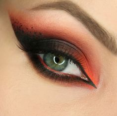 Wiktoria Gajewska: Eat Sleep Makeup Repeat Palette od Makeup Revolution
