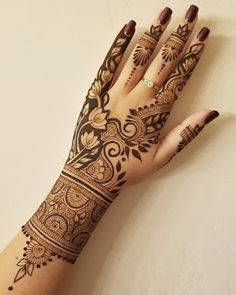 This is Beautiful Easy Simple Henna Mehndi Designs For Hands Back Hand Mehndi Designs, Mehndi Designs 2018, Modern Mehndi Designs, Mehndi Design Pictures, Dulhan Mehndi Designs, Beautiful Mehndi Design, Wedding Mehndi Designs, Henna Tattoo Designs, Mehndi Images