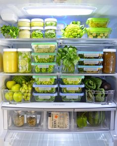 Tips to help you make your fridge a tool for healthy-eating success! Learn the 12 key items for your Eat to Live fridge and get free helpful printables! Fridge Storage, Refrigerator Organization, Kitchen Organization, Organizing, Kitchen Storage, Food Storage, Healthy Fridge, Clean Fridge, Organized Fridge