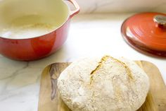 Garnish this classic pizza dough with your favorite toppings and bake it on a Cast Iron Baking Pan for that perfect crust! Jim Lahey, Lodge Cast Iron, Cast Iron Dutch Oven, No Knead Bread, Dry Yeast, Pizza Dough, Thing 1, Pain, Food Photo