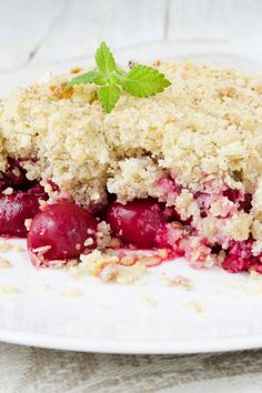 Easy Cherry Crisp Recipe - Only 6 ingredients and a 10 minute prep time!