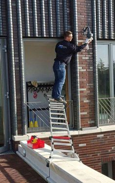 #ladder #safety What could possible go wrong?