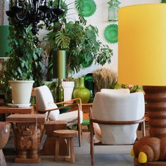 Fancy a sunny walk? We highly recommend a wander around the pols potten store :) #styling #plants #interior #knsm #amsterdam #homedecoration #picoftheday #igers #yellow #instahome