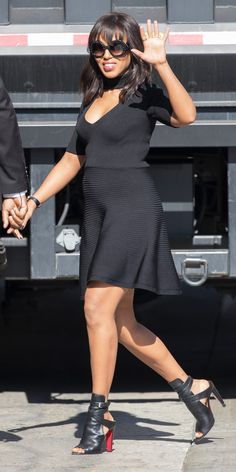 Kerry Washington Shows Off Her Baby Bump in a Chic All-Black Look from Cushnie et Ochs Pre-Fall