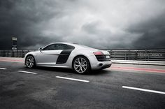 The Audi R8 5.2 with Carbon fiber Sideblade