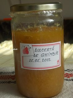 O dulceata naturala,puternic picanta, care se ia ca tonic digestiv, ca antiseptic faringian si ca stimulent nervos. Canning Pickles, Recipe For Success, Chutney, Candle Jars, Jelly, Veggies, Food And Drink, Favorite Recipes, Sweets