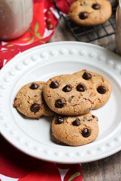 http://thevegan8.com/2015/05/23/oat-free-vegan-classic-chocolate-chip-cookies/
