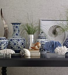 Absolutely stunning blue and white tableop designs you can easily implement. Get inspired with easy to copy blue and white table top design. Blue And White Living Room, Living Room Grey, Living Room Decor, Dining Room, Cottage Living Rooms, Coastal Living Rooms, Coastal Cottage, Coastal Decor, White Table Top