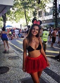 Do you want to look hot this halloween? Here are 25 hot college halloween costumes that you can copy this year. Minnie Mouse Halloween Costume, Carnival Costumes, Halloween Costumes For Girls, Costumes For Women, Cute Halloween, Mouse Costume, Halloween College, Party Costumes, Outdoor Halloween