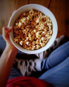 Popcorn with tahini, cinnamon and orange sauce @ mytinygreenkitchen.com