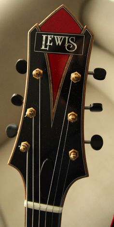 La Petite Rougette archtop by Michael Lewis - Private collection - The red guitar collection - The guitars - Guitarjunky