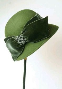 The Bow Yes. I don't much care for cloche hats, but I do like this bow...... and the color