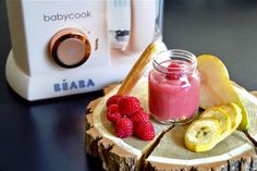 Homemade baby food recipes : Raspberry, pear and banana on boudoir biscuits baby puree recipe (from 7 months) Baby Puree Recipes, Pureed Food Recipes, Baby Food Recipes, Sweet Recipes, Pear Compote, Compote Recipe, Healthy Breakfast For Weight Loss, Baby Cooking, Recipes