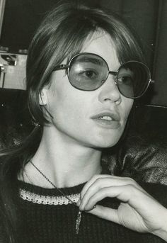 made in the sixties 60s Icons, Style Icons, Françoise Hardy, Summer Essentials, Most Beautiful Women, Street Style Women, Portrait, Pretty Woman, Ideias Fashion