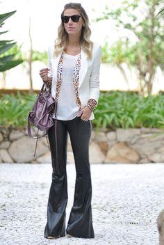 glam4you - nati vozza - couro - leather - blazer - branco - white - look - leopard - calça flare - leather pants #EasyNip