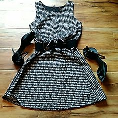 Heartsoul dress size small Gorgeous black and white dress with lace Pinterest pin stripe underlay. 34 inches long HeartSoul Dresses Midi