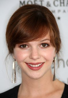 Amber Tamblyn ~ totally stepped on her heal while showing her where the bathroom was!