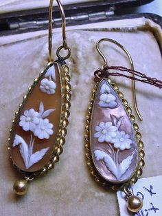 Charming Antique Shell Cameo Earrings with Gold Wires