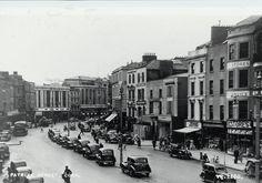 Twentieth century photographs of Cork city Old Photos, Vintage Photos, Cork City, Ireland Homes, Cork Ireland, The Twenties, Past, Places To Visit, Street View