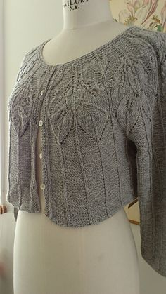 Ravelry: Bella cardigan pattern by Lene Holme Samsøe Sweater Knitting Patterns, Cardigan Pattern, Crochet Cardigan, Knit Or Crochet, Knitting Stitches, Knit Patterns, Hand Knitting, Knit Sweaters, How To Purl Knit