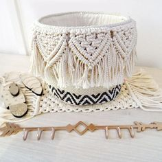Macrame Plant Hangers, Macrame Bag, Macrame Knots, Weaving Projects, Macrame Projects, Boho Diy, Boho Decor, Seagrass Storage Baskets, Anthropologie Home