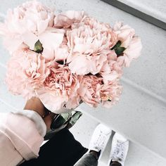 Pink flowers are the best flowers! Peonies arent always in season but when they are they go FAST! My Flower, Beautiful Flowers, Beautiful Dresses, Beautiful People, Plants Are Friends, No Rain, Arte Floral, Ikebana, Dahlia
