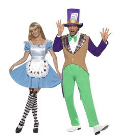 Alice and Mad Hatter Couple Costumes: Alice Costume for Adults This Alice costume includes a dress and an apron (shoes, wig, tights, and blue hair ribbon not included). The dress as light blue, with puffed sleeves lined with white. Costume Halloween, Costume Alice, Costume Dress, Diy Costumes, Adult Costumes, Halloween Party, Costumes Couples Disney, Disney Couples, Mad Hatter Costumes
