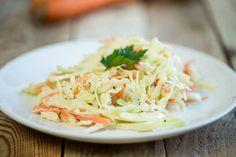 Genialna surówka colesław domowej roboty - Pyszności Kfc, Coleslaw, Cabbage, Vegetables, Ethnic Recipes, Food, Rice Dishes, Easy Meals, Coleslaw Salad