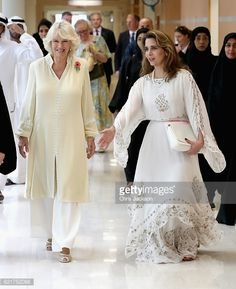 Camilla Duchess of Cornwall and Princess Haya Bint Al Hussein on day 3 of a Royal tour of the United Arab Emirates at Al Jalila Children's Speciality. Princess Haya, Royal Tea Parties, Camilla Duchess Of Cornwall, Duchess Of York, Herzog, Beautiful Hijab, Prince Charles, Ladies Day, Queen Elizabeth