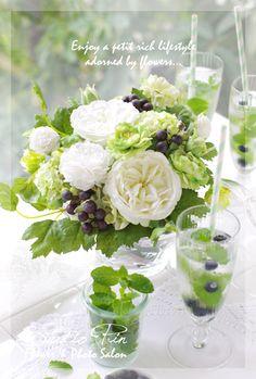 『アーティフィシャルフラワーで爽やかなアレンジ♪』!  Mint tea and flowers!  Imagine the aroma in the room!    Aline ♥