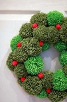 Kerst - Pom pom Krans gemaakt met wol - Knutselen met kinderen - Pom Pom Wreath - Work in Progress
