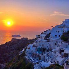 "dashne83 on Instagram: ""✨✨ Good Night ✨✨ Oia - Santorini - Greece """