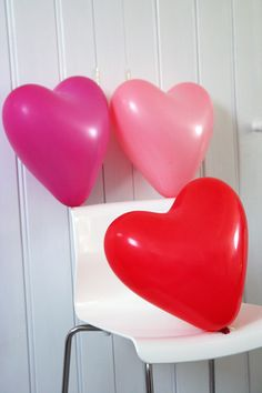 Set of 9 Heart Shaped Balloons Bored of normal balloons? Buy these fantastic large heart shaped balloons - 3 hot pink, 3 pale pink, 3 red. Large and fun! Heart Day, I Love Heart, Valentines Day Party, Happy Valentines Day, Happy Hearts Day, Love Balloon, Kids Pages, Heart Balloons, Valentine's Day