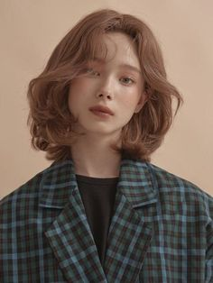 literally what Ingrid looks like in the sims but as a human. Although her hair is redder Portrait Inspiration, Character Inspiration, Hair Inspiration, Hair Inspo, Pretty People, Beautiful People, Fotografie Portraits, Aesthetic People, Ulzzang Girl