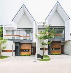 Ideas House Design Duplex Architecture For 2019 Minimalist House Design, Small House Design, Modern House Design, Modern Tropical House, Modern Townhouse, Townhouse Designs, Design Exterior, Facade Design, House Architecture Styles