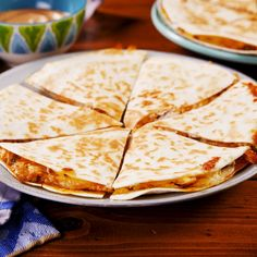 Copycat Taco Bell Quesadilla And 24 other recipes Taco Bell Quesadilla, Pulled Pork Quesadilla, Ground Beef Quesadillas, Quesadilla Recipes, Breakfast Quesadilla, Chicken Quesadillas, Taco Bells, Mexican Dishes, Mexican Food Recipes