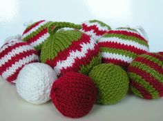 Tutorial: Hand Knit Chevron Baubles