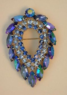 Vintage Sarah Coventry Blue Lagoon Brooch