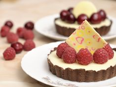Mini-tarte cu ganache de ciocolata alba si fructe, un desert elegant si delicat. reteta de Mini-tarte cu ganache de ciocolata alba si fructe. Biscuit, Brownies, Cheesecake, Food And Drink, Foods, Pies, Cheesecake Cake, Cake Brownies, Food Food